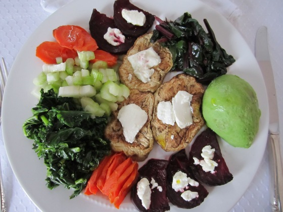 ROASTED BEETS, CARROTS AND EGGPLANT WITH GOAT CHEESE AND FRESH VEGETABLES PLATTER