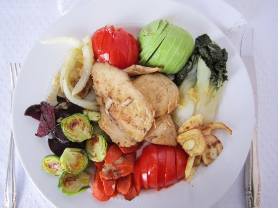 CHICKEN WITH ROASTED & FRESH VEGETABLES PLATTER